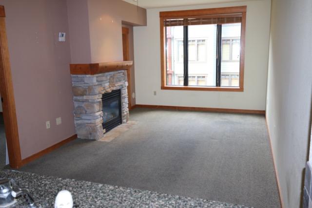 Village 2322.living room